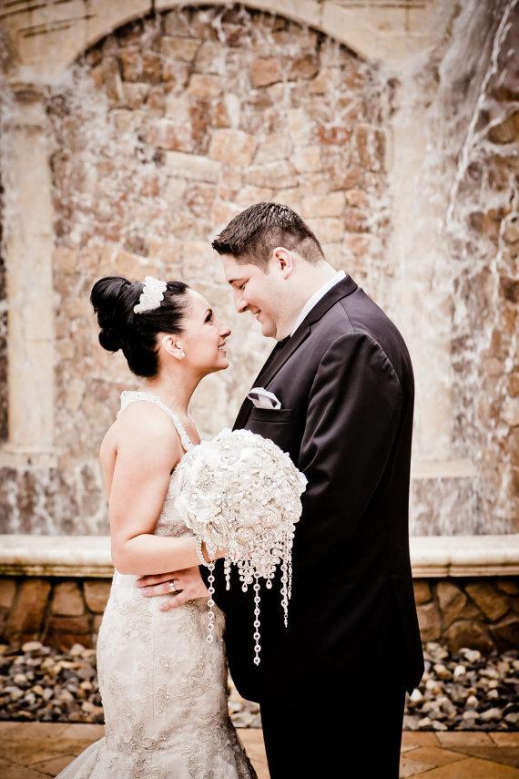 Hochzeit - Custom Order Cascading Brooch Bouquets