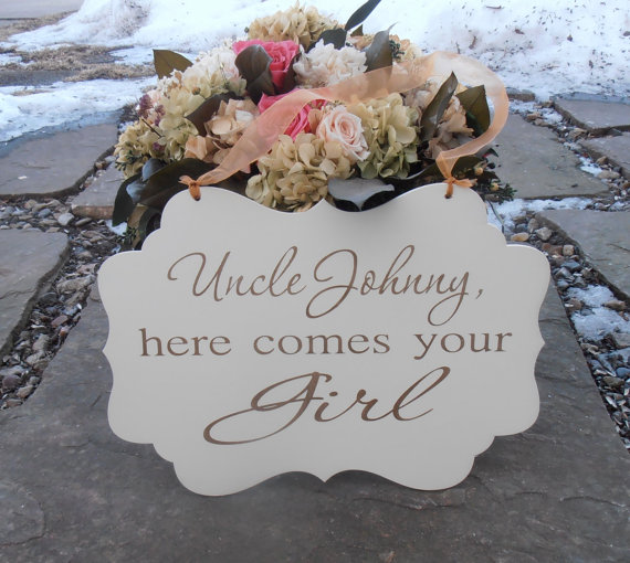 Mariage - Personalized Here comes your bride Wood Sign Decoration Here comes the bride Ring bearer Flower girl Grooms Name