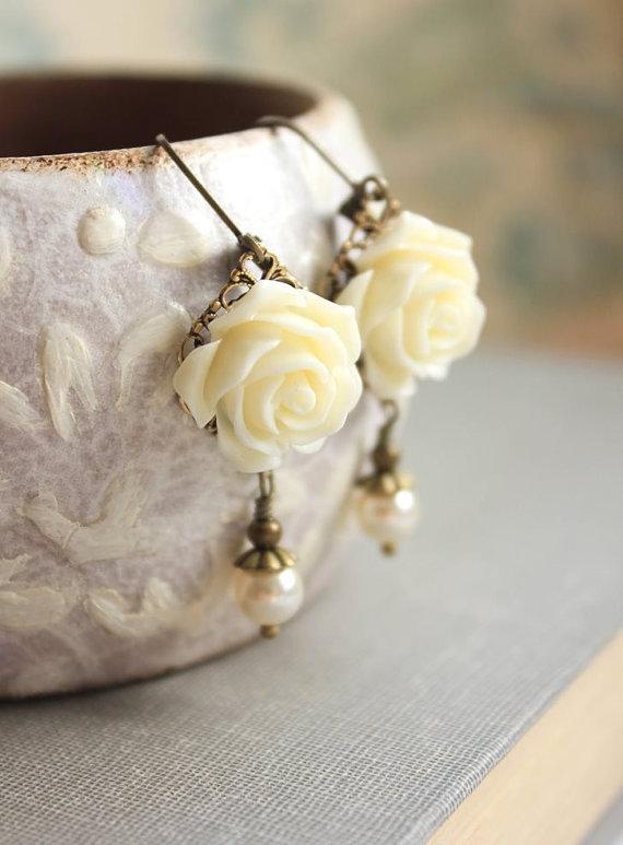 Свадьба - Ivory Cream Rose Earrings Flower Earrings Pearl Drop Floral Dangle Earrings Leverback Earrings Nickel Free Romantic Wedding Jewelry