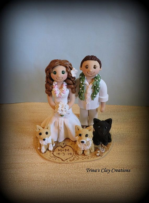 زفاف - Wedding Cake Topper, Custom Cake Topper, Bride And Groom With Pets, Beach Theme, Personalized, Polymer Clay, Keepsake, Hawaiian Lei