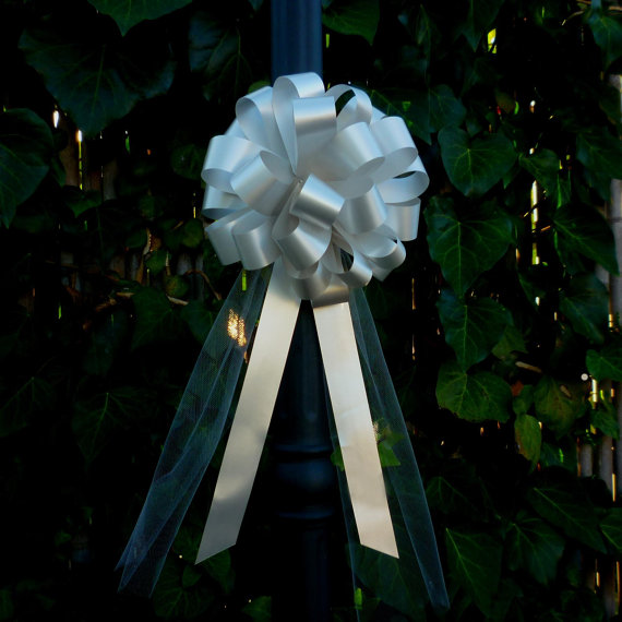 Hochzeit - 10 Silver Gray Pull Bows Tulle Tails Wedding Pew Decorations Church Aisle