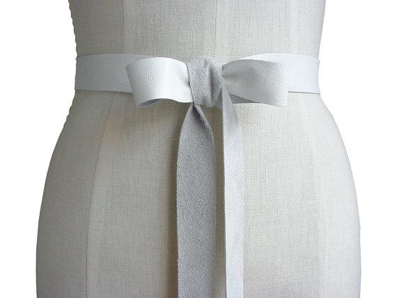 Mariage - Seamless white LEATHER RIBBON BELT Rustic elegance  wedding dress belt  Preppy Wedding womens leather belt leather ribbon sash custom made