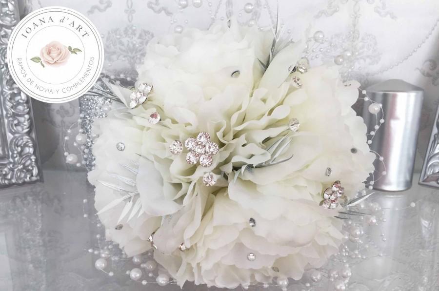 Wedding - ramo de broches y perlas