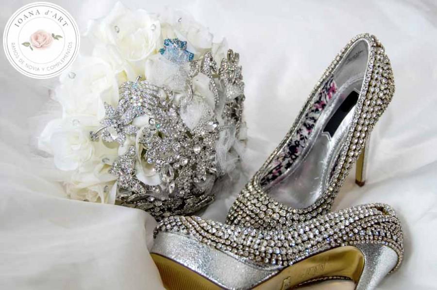 Hochzeit - ramo de broches
