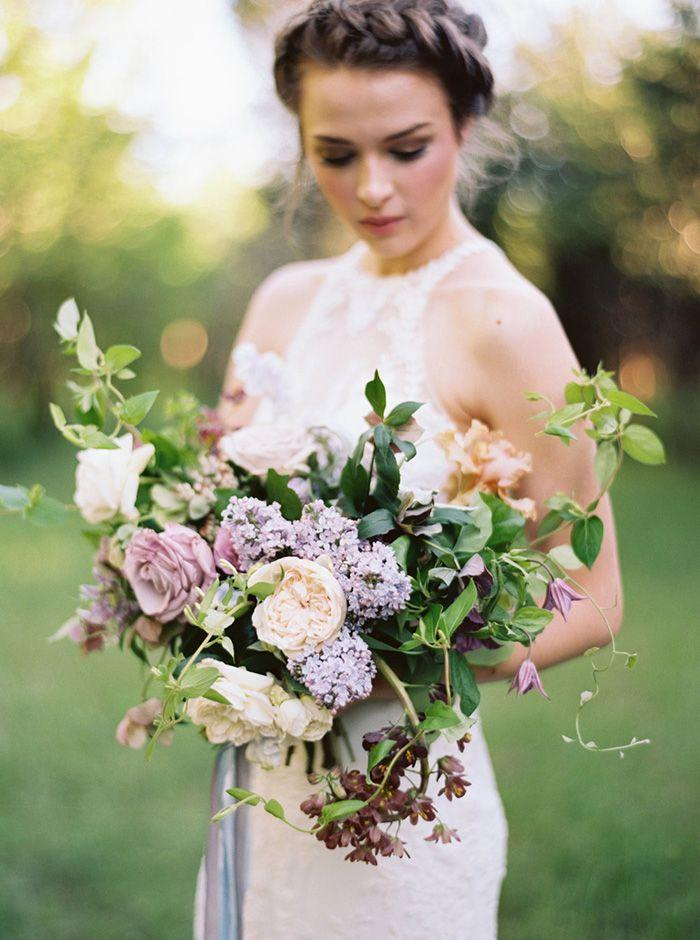 Свадьба - Lilac Bridal Portrait Session