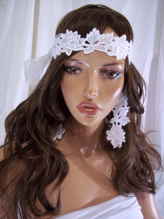 Mariage - Beautiful White Lace Flower Headband & Matching Earrings, Bridal Headband, Bridal Headpiece And Earrings, Bride And Wedding Hair Accessories