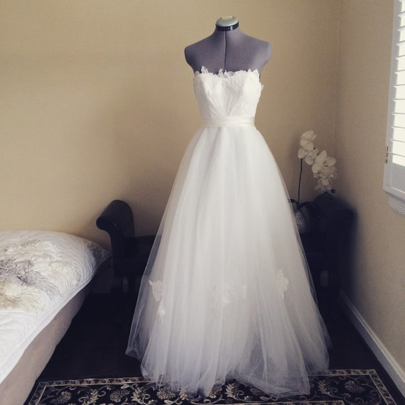 taylor one of a kind wedding dress strapless princess full aline lace and tulle wedding dress. Black Bedroom Furniture Sets. Home Design Ideas