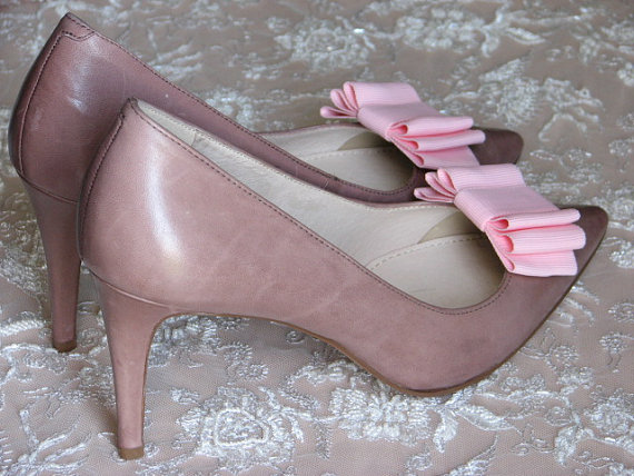 Mariage - Pink shoe clips Pink shoe bows Bridal shoe clips Wedding pink shoe clips Bridal shoes Blush shoe clips Pink wedding Pink shoes Bride shoes
