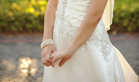 Свадьба - Wedding Jewelry Pearl Bridal Bracelet Ivory Pearl Bracelet Elegant Pearl Jewelry Multistrand Pearl Bracelet Wedding Bracelet Formal Wedding