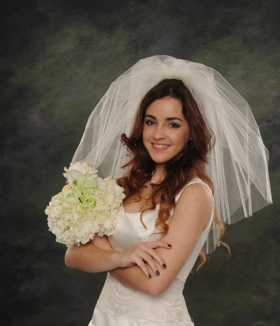 زفاف - Light Ivory Shoulder Length Wedding Veils Two Layers 26 Blusher Veil 2 Tiers Whiite Bridal Veil 72 Wide Raw Cut Edge Short Veils