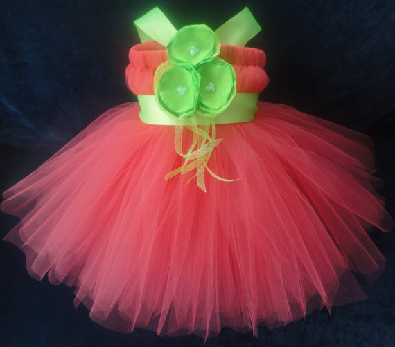 Свадьба - Coral LIme Flower Girl Dress, Flowergirl Dresses for Baby or Toddler Girls, Classic, Shabby Chic Weddings, Flower Girl Tutu, Tutu Dress