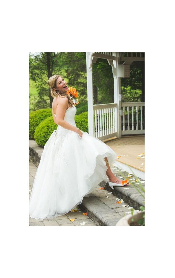 Свадьба - Bride Shoe Clips Orange Tangerine & Ivory Pearls / Rhinestone. Wedding Couture Bridal Bridesmaid Engagement. White Turquoise Blue Red Green