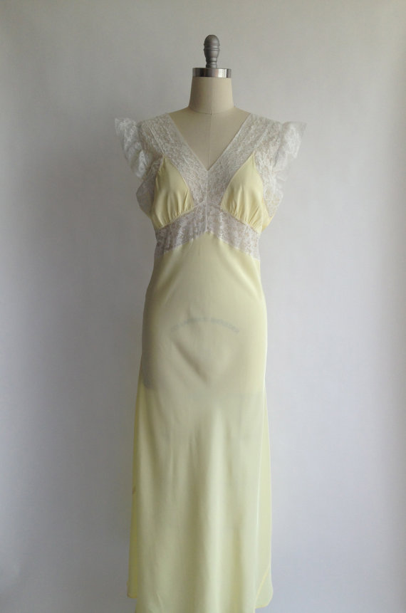 Mariage - RADCLIFFE 40s pastel yellow bias cut long nightgown with lace / L / XL / NWOT