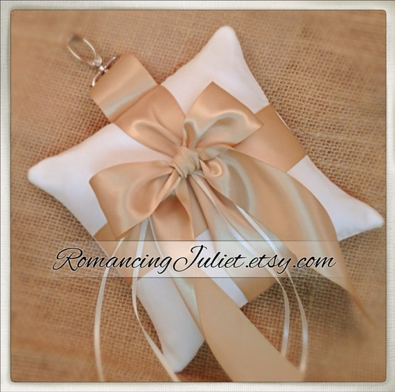 Mariage - Pet Ring Bearer Pillow...Made in your custom wedding colors...shown in ivory/champagne