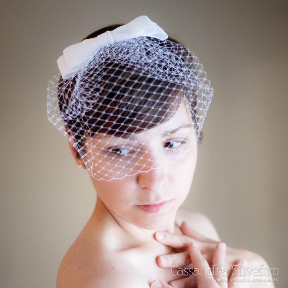 Mariage - Retro Birdcage Wedding Veil with Bow (Blusher Veil, Bridal Veil, Small Veil, Mini Veil, Ribbon Bow, Bird Cage Veil, grosgrain ribbon)
