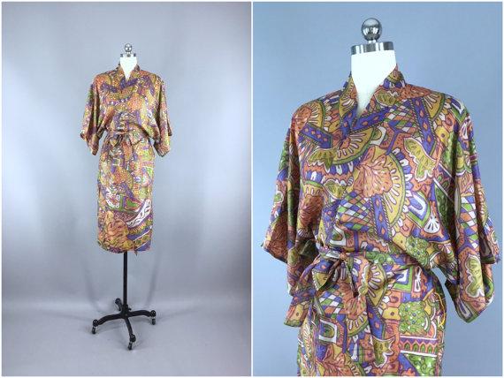 Свадьба - Silk Robe / Silk Sari Robe / Silk Kimono Robe / Vintage Indian Sari / Raw Silk Dressing Gown Wedding / Boho Bohemian / Tan Purple Abstract