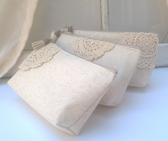 Свадьба - Boho Linen Bridesmaid Clutches, Customizable Clutches, Bridesmaid Gift Ideas, Bridesmaid Gift Idea, Wedding Clutches- Matching Set of 4