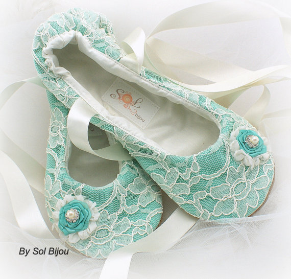 Свадьба - Ballet Flats, Wedding, Bridal, Shoes, Ballerina Slippers, Flower Girl, Ivory, Turquoise, Aqua Blue, Robins Egg, Lace, Crystals, Pearls