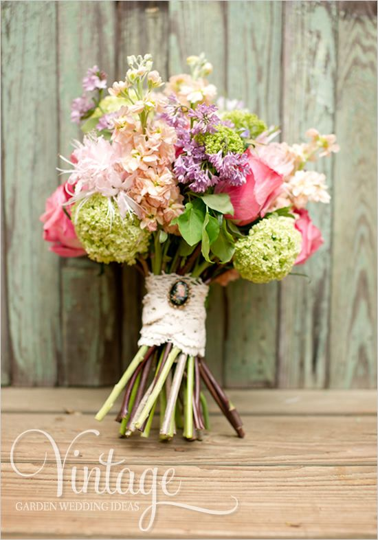 Bouquet/Flower - Bouquet Wraps & Accessories #2337559 - Weddbook