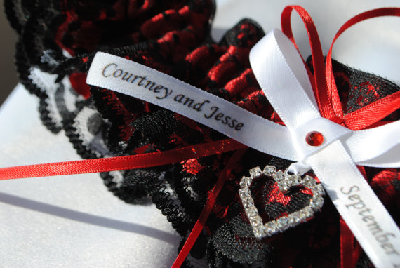 Свадьба - Wedding Garter , beautiful personalized red satin and black Lace with heart