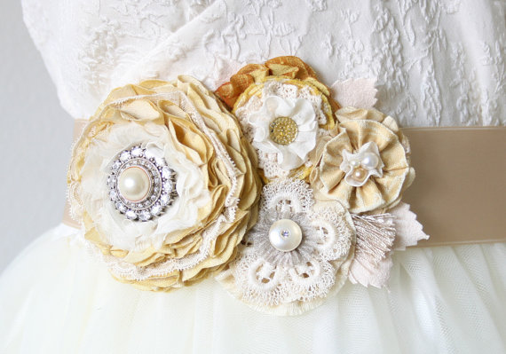 Wedding - Floral Wedding Sash, Bridal Belt, Light Yellow Dress Sash, Pearl and Vintage Rhinestone Bridal Belt, Fabric Flower Pin, Wedding Corsage
