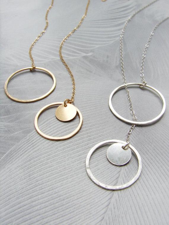 Mariage - Silver circle lariat, Y necklace, Infinity circle lariat, layered long necklace, Bridal necklace, hammered circle dainty simple necklace