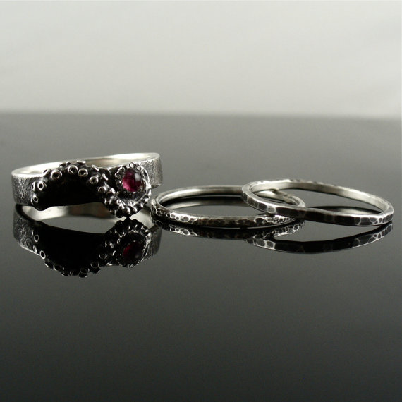 Свадьба - Distressed Tourmaline Stacking Rings, OctopusME Jewelry, Tentacle Rings, Octopus Jewelry, Engagement Rings