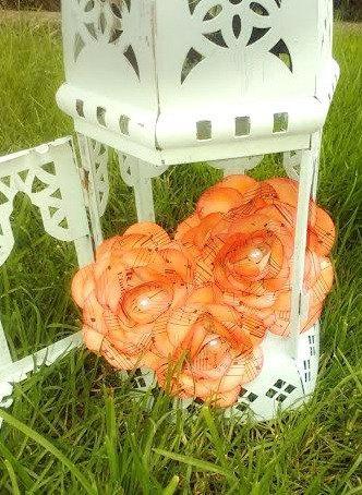 زفاف - Paper flowers by the dozen. 12 vintage music paper flowers,handmade, tons of color options.Wedding, reception, prom, home decor, anniversary