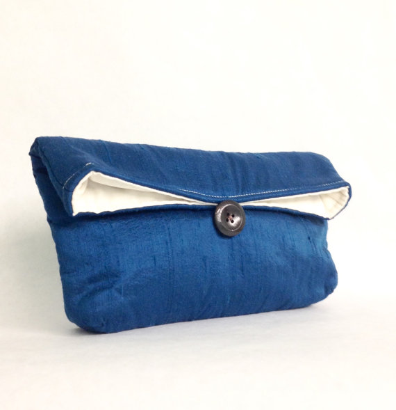 Свадьба - Bridesmaid Clutch, Ready to Ship Bridesmaid Gift Idea, Blue Clutch Purse, Blue Bridesmaid Gift, Wedding Party, Bridal Clutch, Silk Clutch