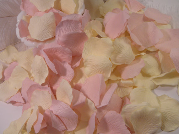 Hochzeit - Blush Cream / Rose Bulk Flower Petals, 500 Artifical Petals, Blush Pale Pink and Cream Wedding, Flower Girl Basket Petals, Craft Supplies