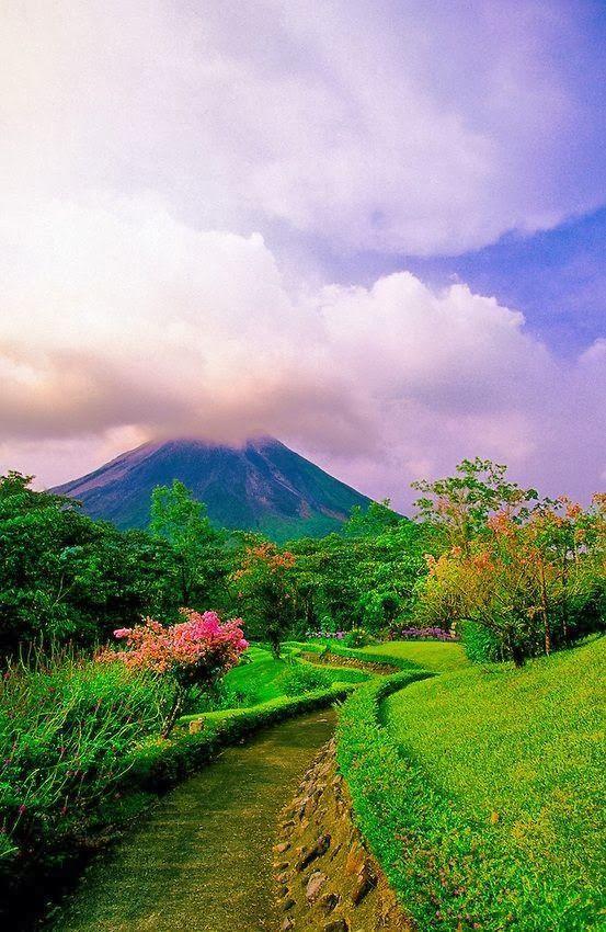 Wedding - Volcan Arenal, Costa Rica.