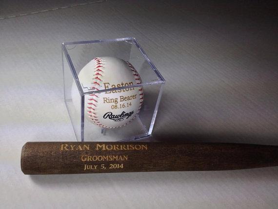 """Mariage - Groomsmen Gift - Rawlings Baseball With Acrylic Case & Mini 18"""" Baseball Bat Set - Jr. Groomsmen Gift - Ring Bearer Gift - FREE ENGRAVING"""