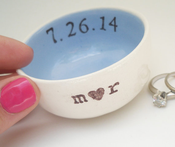 Mariage - CUSTOM RING DISH light blue interior custom initials heart shape ring holder custom wedding date engagement gift wedding gift bridal gift
