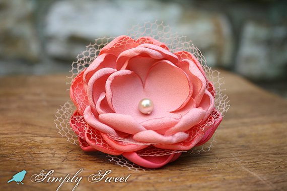 Mariage - Vintage Inspired Coral Flower Hairclip