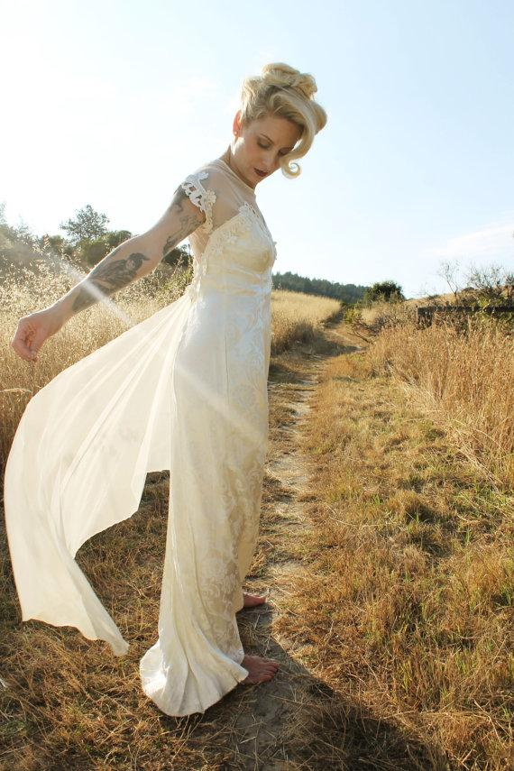 Mimosa vintage 90s jessica mcclintock wedding dress mesh mimosa vintage 90s jessica mcclintock wedding dress mesh shoulders sheer neckline maxi length size 78 vintage bridal junglespirit Image collections