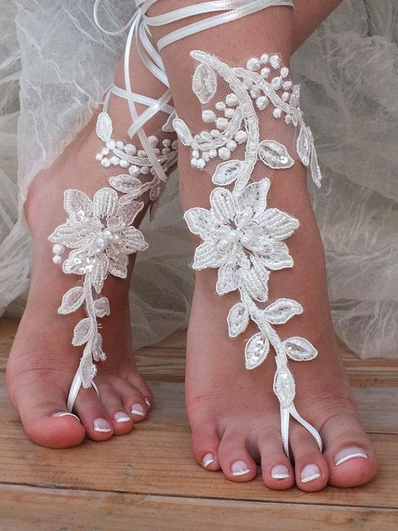Mariage - Free ship ivory  Beach wedding barefoot sandals shoes prom party bangle beach anklets bangles bridal bride bridesmaid