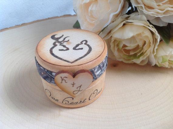 Mariage - Rustic Ring Box, Buck and Doe, Ring box. Camo Ring Box