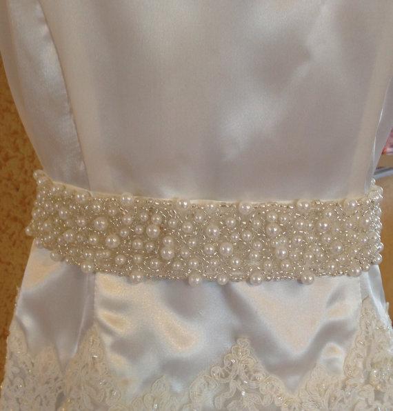 Свадьба - Double length Pearl Bridal sash of light ivory color on a ribbon, bridal sash with pearls, wedding belt with pearls, bridal beaded belt