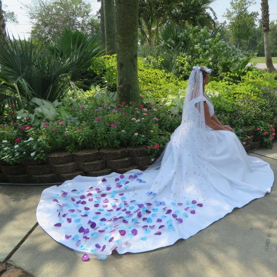 Superlative butterfly wedding veil purple and turquoise for Turquoise and white wedding dresses
