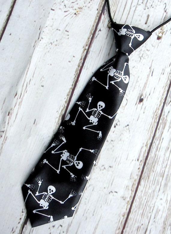 Hochzeit - skeleton black tie, halloween necktie, boys necktie, birthday cake smash tie, photo prop, wedding ring bearer tie, kids baby toddler