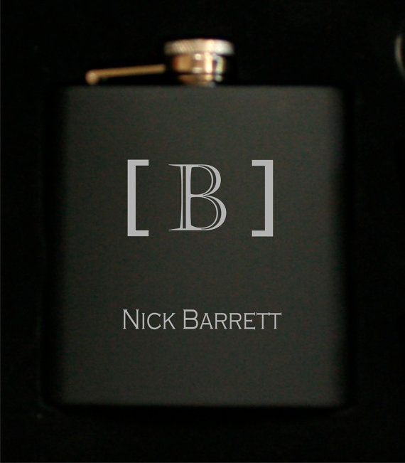 Mariage - Groomsmen Flasks - Personalized 6oz Black Stainless Steel Wedding Flask Gifts - Perfect for Best Man, Groomsman, Ushers, Fathers
