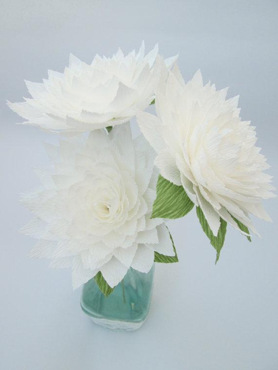 Свадьба - Paper Dahlia/ White Dahlia/ Paper Flowers/ Wedding Decoration/ Wedding Bouquets/ Table Flowers/ Party/ Baby Showers/ Bridal Showers