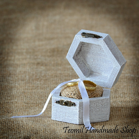 Mariage - Rustic Wedding Ring Box, Antique Ring Bearer- Vintage style
