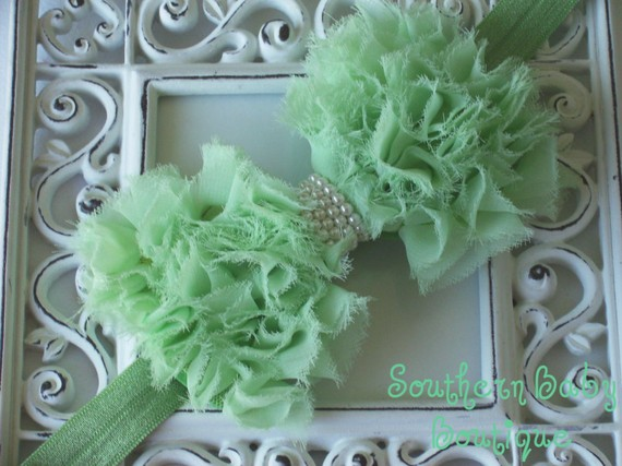 Hochzeit - New----Baby Headband Pearl Frayed Chiffon Bow----MINT----Romantic Couture-----FREE SHIPPING