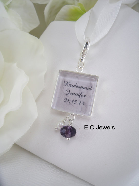 Hochzeit - Custom Bridal Party Bouquet Charm with a Crystal, Pearl Accent - Pick your color