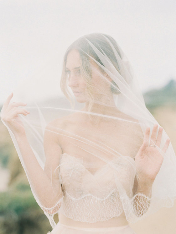 Mariage - Silk tulle bridal veil, blusher veil, lace edge veil / Style number 1915 Florence