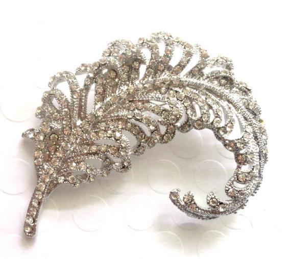 Mariage - Extra Large Rhinestone Brooch Flatback Embellishment or Pin Clear Rhinestone Crystal Feather Broach Wedding Brooch Bouquet Sash DIY  sc10