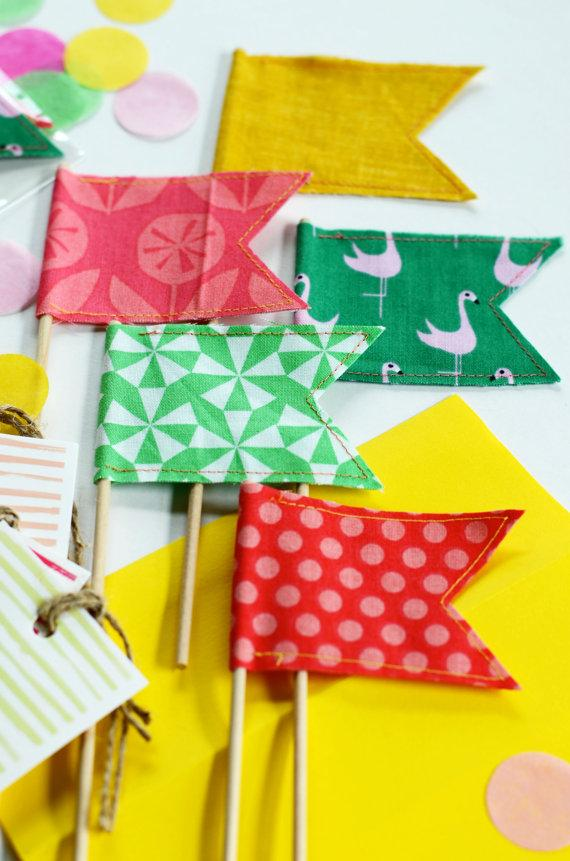 Mariage - Flamingo Summer Party Handmade Happy Flags Set of Five