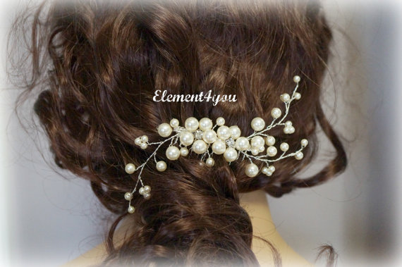 Mariage - Bridal Hair Comb, Wedding Hair Accessories, Swarovski pearls crystals, Rhinestones, Hand-wired, Ivory Elegant Headpiece, White flower comb