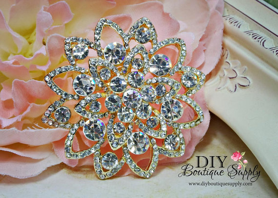 Свадьба - Sparkling Gold Brooch Crystal Brooch Rhinestone Brooch Bouquet Crystal Wedding Bridal Accessories Sash Pin Back 60mm 484250